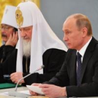 Putin urges international community to resist repressions against Christians