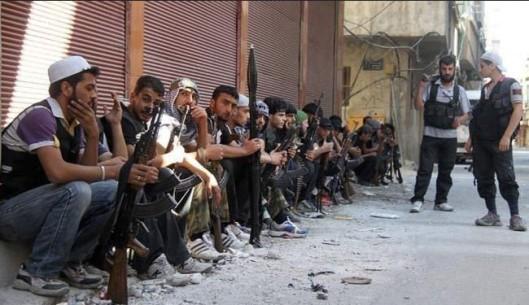 """تنظيم القاعدة يعلن الحرب على """"الجيش الحر"""" في حلب"""