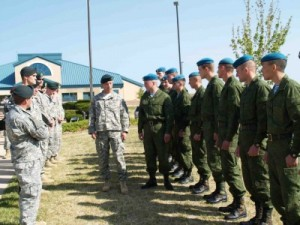 russian-troops-at-American-base-400x300