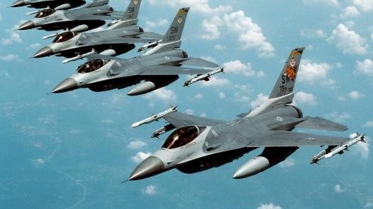 """F-16 """"Fighting Falcon"""" jets (Reuters/Staff Sgt. Greg L. Davis)"""