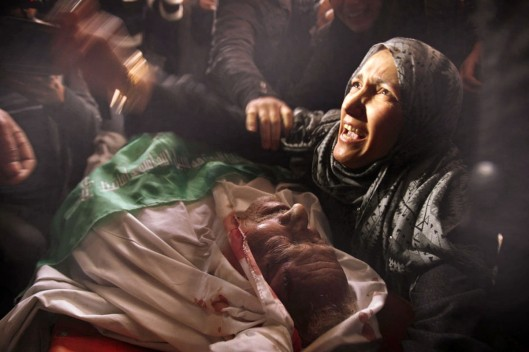 00-palestinian-wounded-by-israeli-settlers-03-palestinian-killed-in-gaza-by-israeli-bombs-02-12