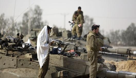 israeli-soldiers-praying-before-killing-900
