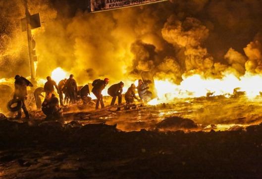Столкновения протестующих с милицией в центре Киева