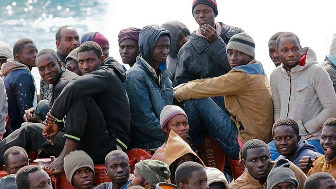 Migrants at the Sicilian harbour of Pozzallo-20150215