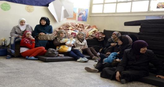 Residents-flee-Yarmouk-Camp-10