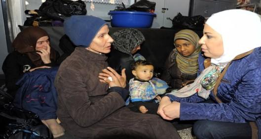 Residents-flee-Yarmouk-Camp-8-620x330