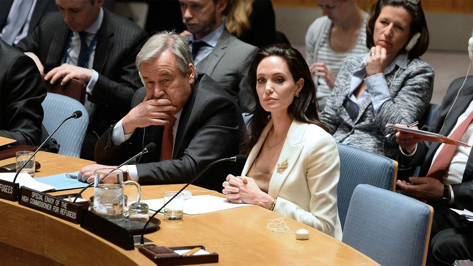 Angelina Jolie Wants to Throw Syrian Civilians in Mass ...