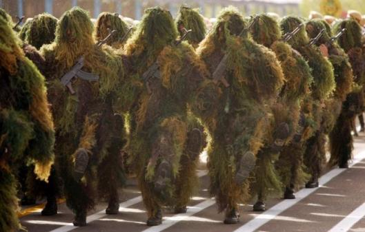 Camouflaged Iranian Army soldiers-3