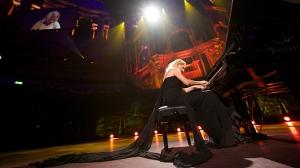 pianist-lisitsa-donbass-concert