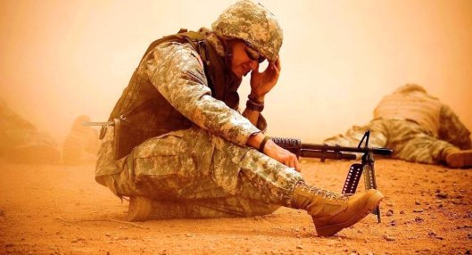 american dead soldiers walking in the dust - (©Flickr/KellyB)