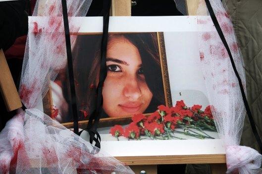 Syrian refugee women raped-4