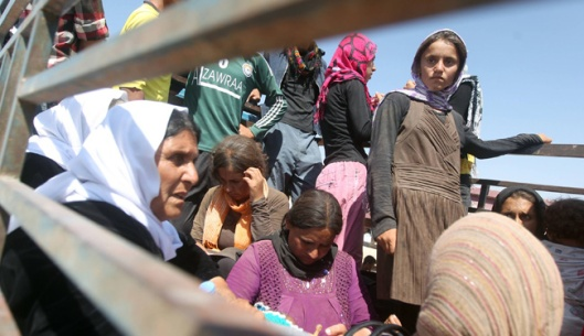 Syrian refugee women raped-8