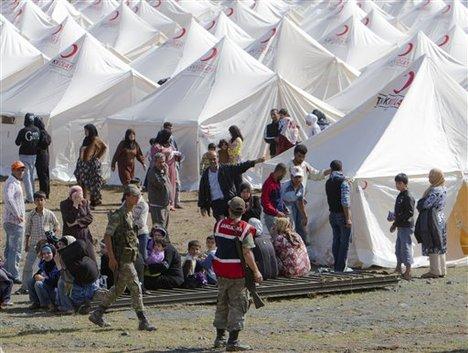 Syrian refugees in Boynuyogun camp-4