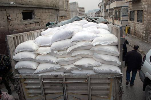 flour-and-tomato-for-smuggling-in-Hama-2a