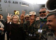 Hillary-Clinton-Libyan-rebels-400x289