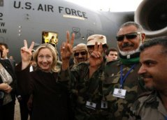 Hillary-Clinton-Libyan-rebels-400x289