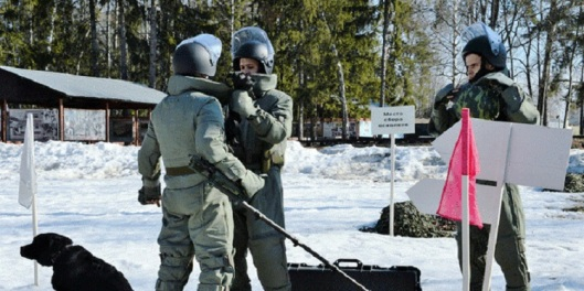 Russian-bomb-disposal-experts-1-750