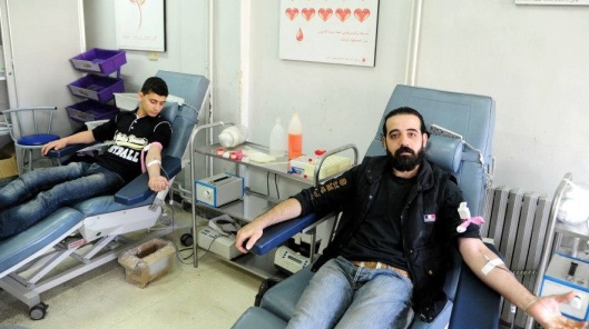 aleppo-syrians-donate-blood-0