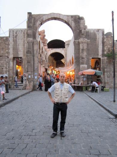 Nel_Suq_di_Damasco_aprile_2012_-391x523