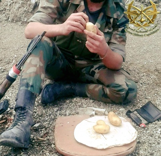 saa-soldier-lunch