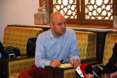 Sensini_Paolo__at_syrian_parlament_with_president_mahmoud_al_abrash