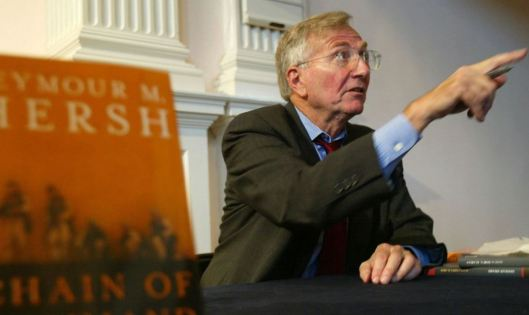 """WASHINGTON - SEPTEMBER 19: Author Seymour Hersh talks to a reader after a book discussion September 19, 2004 in Washington, DC. Hersh talked about his new book """"Chain of Command: The Road from 9/11 to Abu Ghraib."""" (Photo by Alex Wong/Getty Images)"""