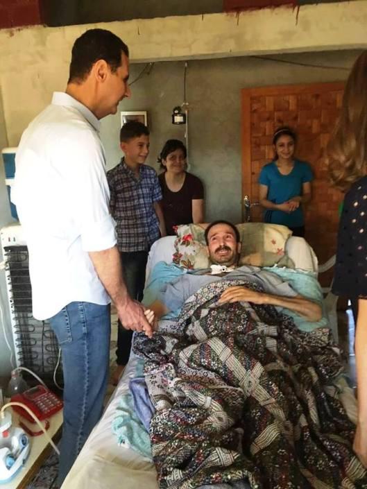 President-al-Assad in Homs (8)