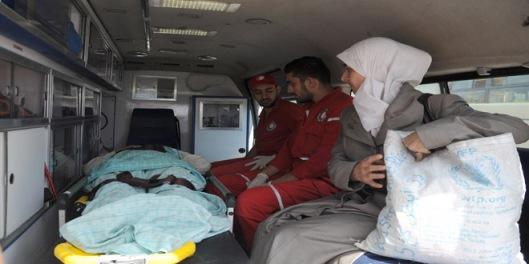 evacuating-families-daraya-al-moaddamiyeh-damascus-countryside-7