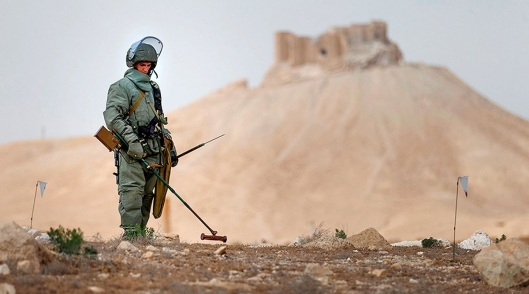 1200xexperts-from-russia-international-mine-action-center-in-palmyra