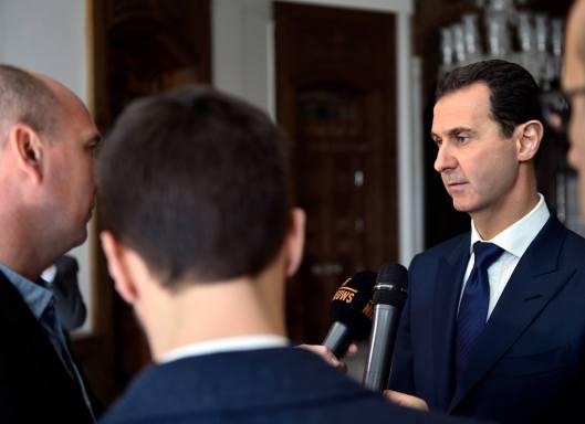 bashar-al-assad-with-belgian-delegation-3