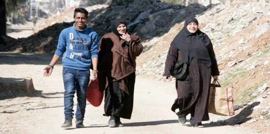 locals-families-return-ziabiyeh-damascus-countryside-4