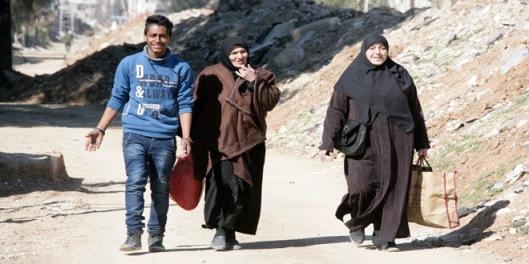 locals-families-return-ziabiyeh-damascus-countryside-4